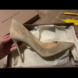 Gianvito Rossi BRAND NEW suede with box size 40.5